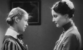 jeunes filles en uniforme 1931
